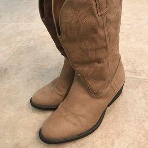 EUC Rampage cowboy boots